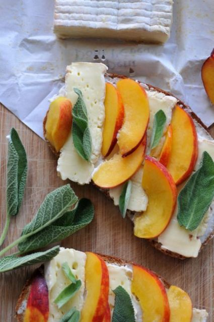 Cheese + Nectarine Sandwich 03