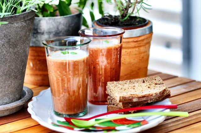 Tomato Soup + Basil Foam 01