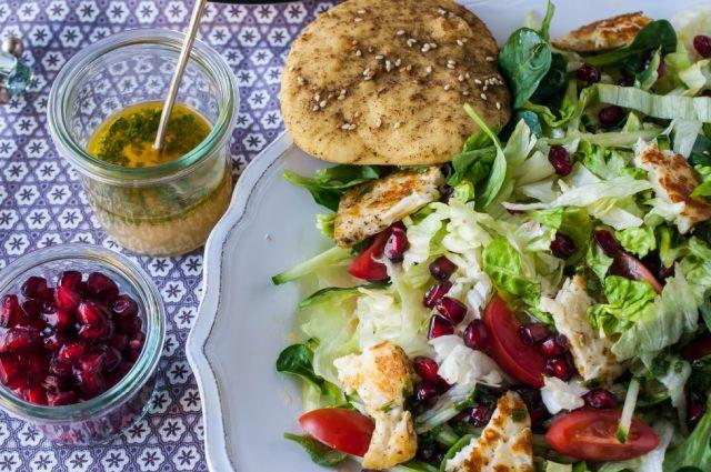Citrusy Salad + Manakiseh 03