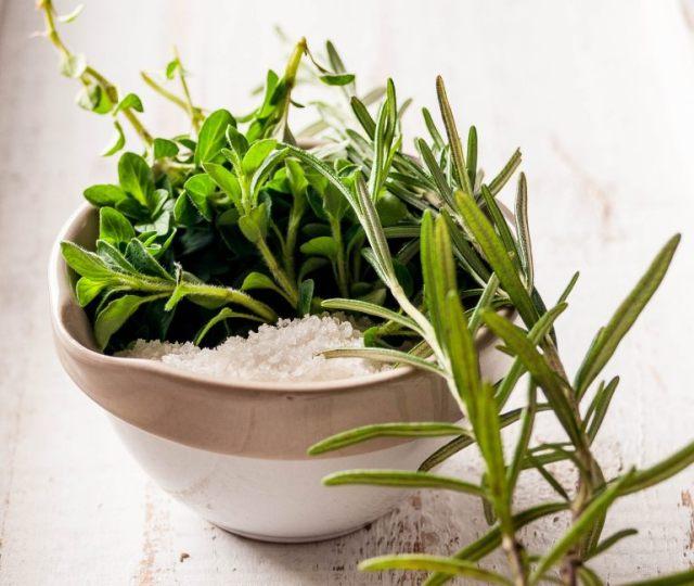 Mediterranean Herb Salt 02