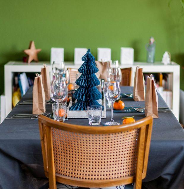 Dinner Tables - Pt 14 - 01