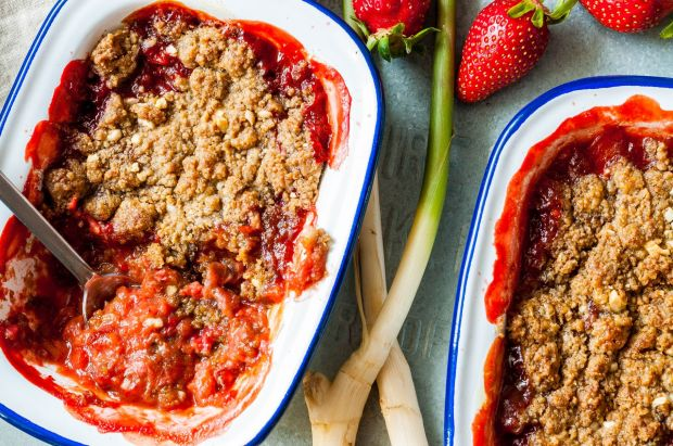 Rhubarb Strawberry Ginger Crumble 03