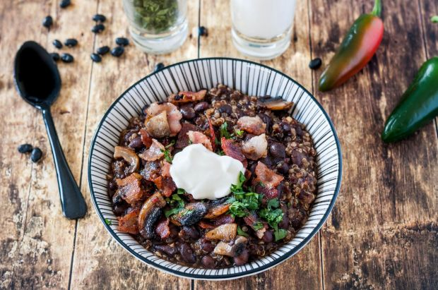 Quinoa + Black Bean Chilli 04